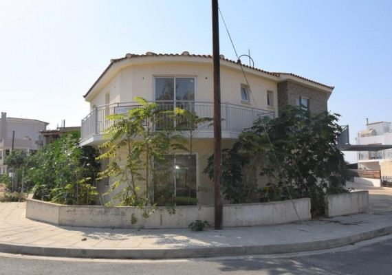 Three-Bedroom House in Empa, Paphos