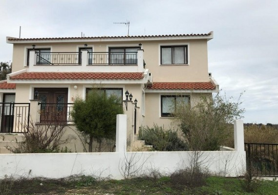 Two-bedroom House in Polemi, Paphos