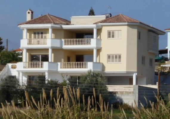 Five-Bedroom House in Timi, Paphos